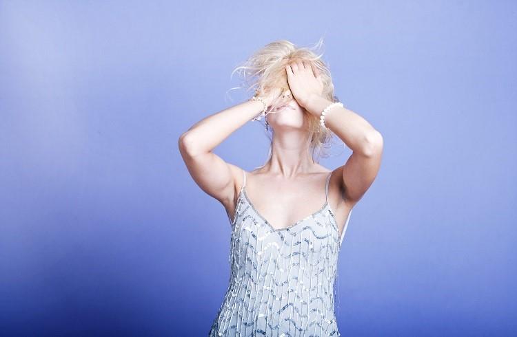 Hajhullás nőknél